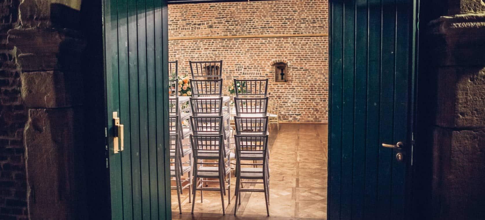 Russische-Hochzeit-in-Düren---Stühle