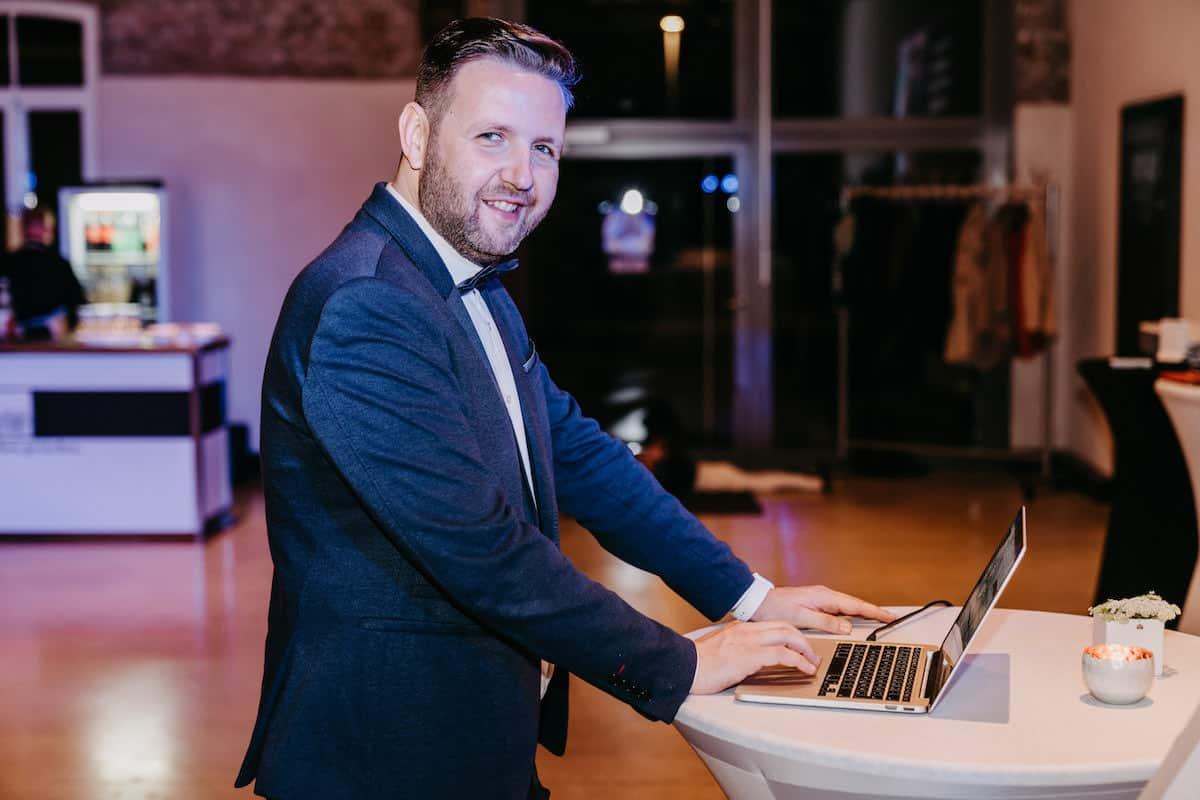 Alexander Feldmann Hochzeitsmoderator